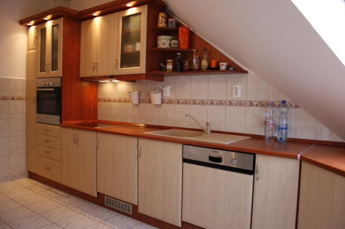 Tetőteres konyha 1