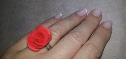 Rózsa gyűrű piros